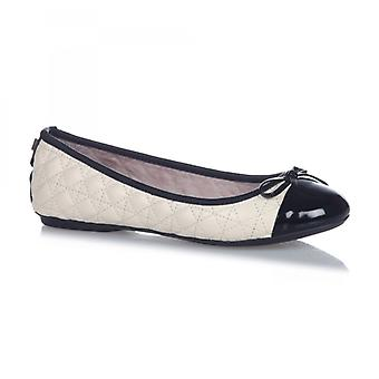 Butterfly Twists Olivia Ladies Quilted Ballerina Flats Cream/black