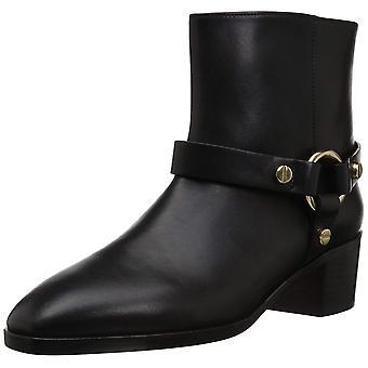 Stuart Weitzman Women's Expert Ankle Boot