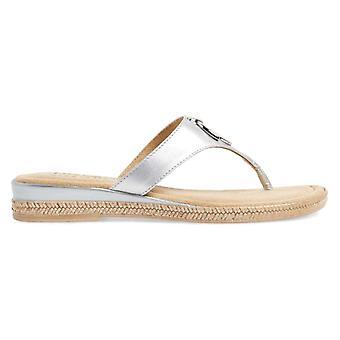 Easy Street Womens Belinda Split Toe Casual Slide Sandals