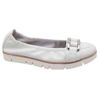 Kennel Und Schmenger Women's Crepe Sole Buckle Ballerina Shoe