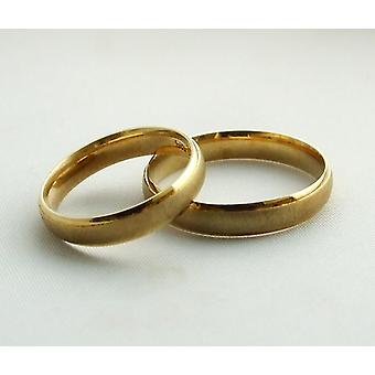 Gold wedding rings beautifully even