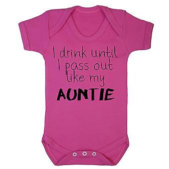 Je bois jusqu'à ce que je m'évanouisse comme ma tante babygrow