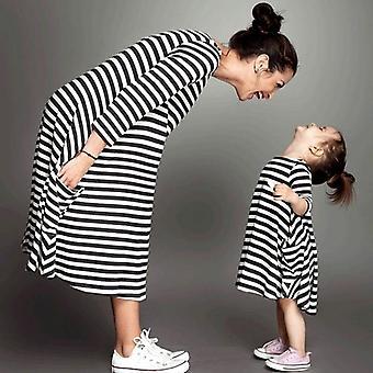 Perhe matching äiti-tytär mekot, raidallinen äiti mekko