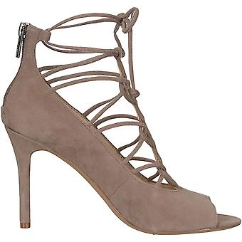Vince Camuto Femmes apos;s Pompe Chennan