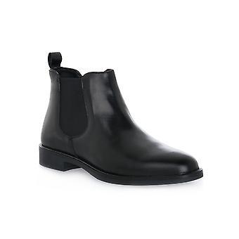 Grunland kindbenssvarta skor