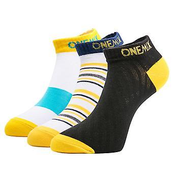 Αθλητικές τρέχοντας κάλτσες βαμβακιού, φορώντας για το υπαίθριο τρέξιμο/το περπάτημα τυχαία