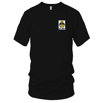 US Army - 5th Cavalry Regiment Embroidered Patch - Black Knights Mens T Shirt