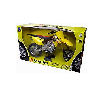 Suzuki RM-Z 450 (2014) Plastic Model Motorcycle