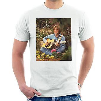 Perfomring John Denver razy TV na Muppet Show Men's T-Shirt