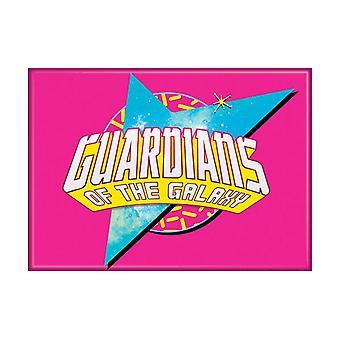 Guardians logo op roze magneet