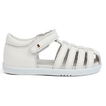 Bobux-Spaziergang Mädchen springen Sandalen weiß