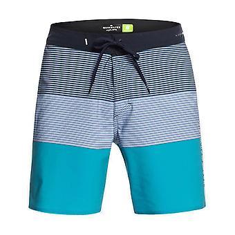 Quiksilver Highline Massive 17 Shorts de comprimento médio no Mar do Caribe