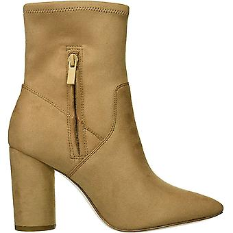 BCBGeneration Womens Ally Faux Suede Ankle Booties (en anglais seulement)