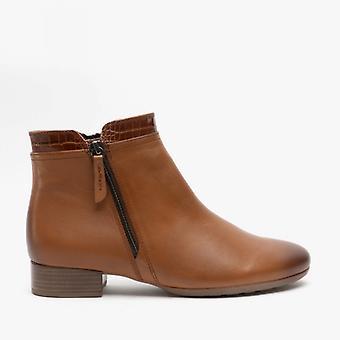 غابور بريانو السيدات جلد الكاحل أحذية كونياك
