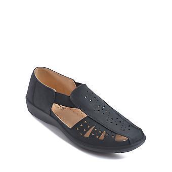 Chums Ladies Side Elastic Slip On Shoe