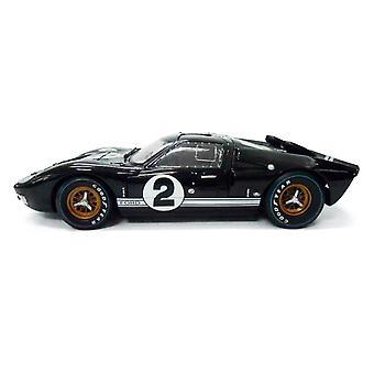 Ford GT40 Mk II Bruce Mclaren - Chris Amon (Le Mans 24Hrs 1st Place 1966) Diecast Model