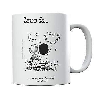 El amor es ver tu futuro en la taza de las estrellas