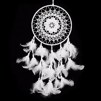Käsintehty unelmien sieppari höyhenillä seinä roikkuu koristeena valkoinen