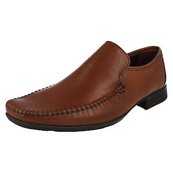 Mens Clarks формальных скольжения на обувь Ferro шаг