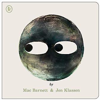 Circle by Mac Barnett - 9781406390377 Book