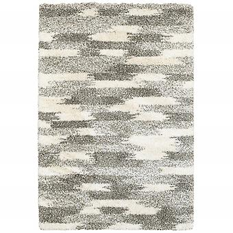 2' x 3' Gray and Ivory Geometric Pattern Scatter Rug