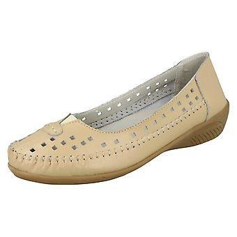 Ladies Eaze Casual Low Wedge Shoes