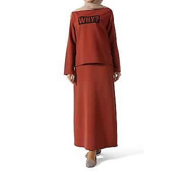 Conjunto de blusa y falda estampado