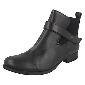 Ladies Clarks Ankle Boots Ladbroke Magic