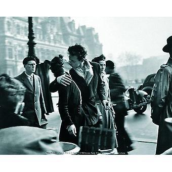 Le Baiser De L'Hotel De Ville Art Print Photograph: Robert Doisneau, (b/w) Small format 24 x 30 cm
