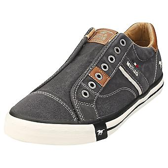 Mustang Lace Up Low Top Mens Casual Trainers in zwart
