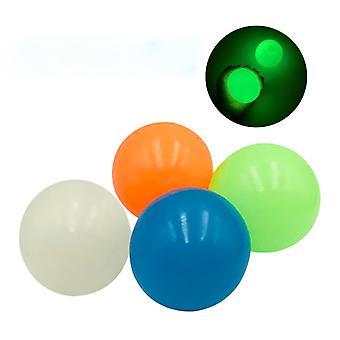 45mm Svietiaca palica Nástenná guľa 4ks / taška Hry Catch Throw Žiara v tmavých hračkách pre deti Mini Stick Juggle Jump Wall Ball Sticky Squash náhodná farba