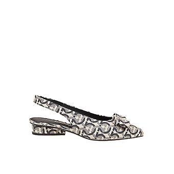 Salvatore Ferragamo 01r454733610 Women's Beige/black Fabric Flats