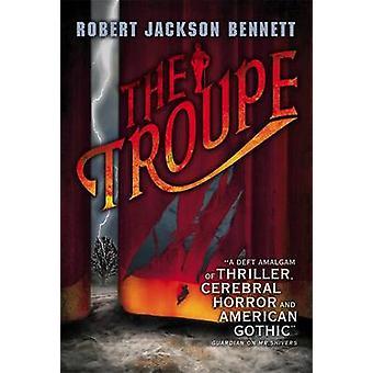 Robert Jackson Bennettin seurue - 9780356500409 Kirja