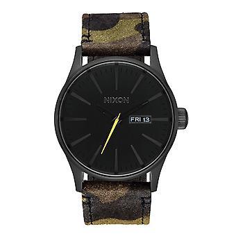 Nixon Sentry läder svart / Camo / Volt (A1053054)