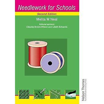 Travaux à l'aiguille pour la deuxième édition d'écoles