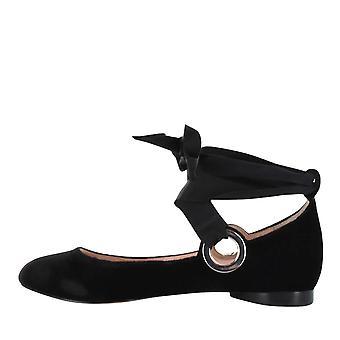 Avec Les Filles Womens MIRI Closed Toe Ankle Wrap Ballet Flats