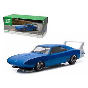 1969 Dodge Charger Daytona Custom Blue with White Rear Wing 1/18 Diecast Model Car par Greenlight