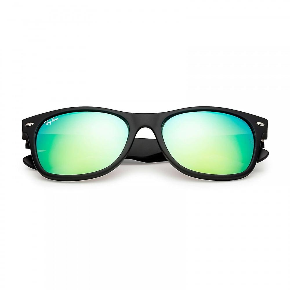 Ray Ban Sunglasses Rb2132 622/19 52 New Wayfarer Black And Green Mirrored Sunglasses