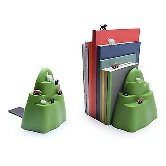 Nice bookend-Mountains with animals
