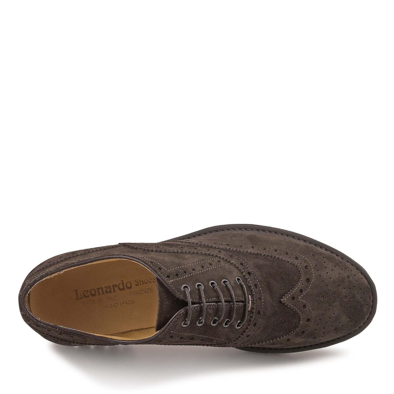 La main daim wingtip chaussures en couleur chocolat CEAT7i