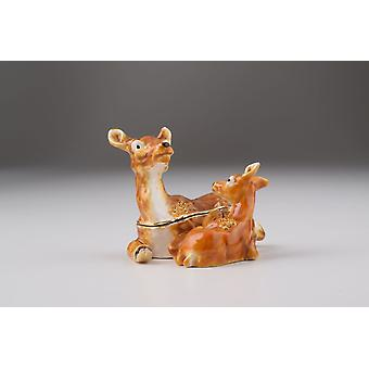 Mutter Bambi mit Kinderschmuck-Box