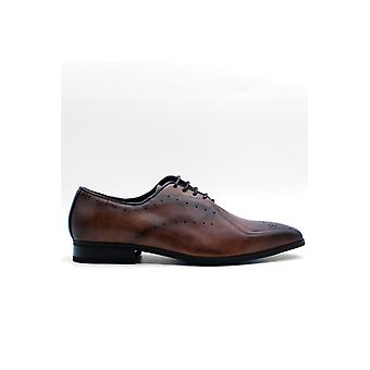 Men's perforated shoes