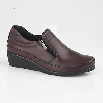 Mod Comfys Plasha Ladies Leather Wedge Zip Shoe Burgundy