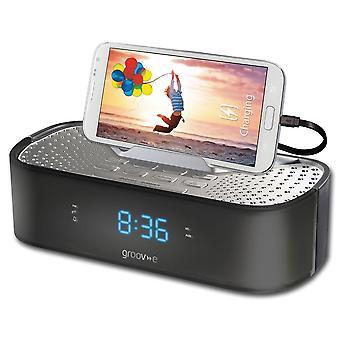 Groov-e TimeCurve Alarm Stueklokke Radio med USB anklager stasjon svart (GVSP406BK)