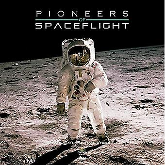 Pioneers of Spaceflight - 9781912332274 Book