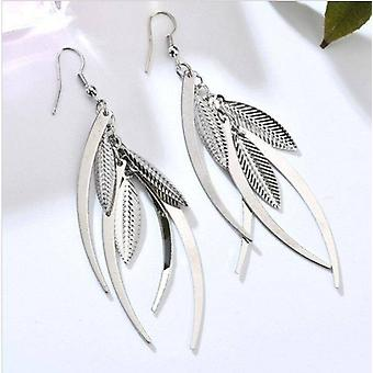 Dangling feathers earrings in gold or silver for woman