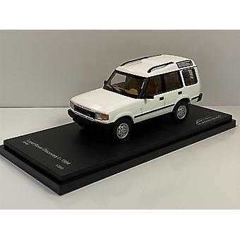 Land Rover Discovery White 1994 1:43 Scale Almost Real 410402