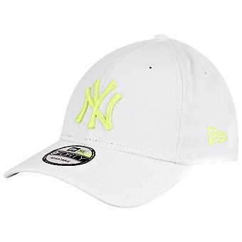 New Era 9Forty Strapback Cap - New York Yankees White / Yellow