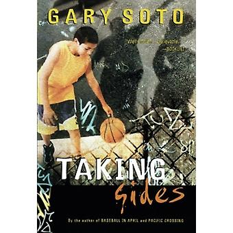 Taking Sides av Gary Soto & Soto