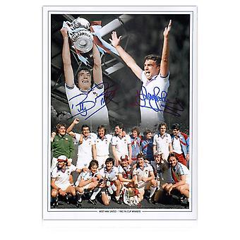 تريفور بروكينغ وبيلي بوندز يوقعان صورة وست هام: نهائي كأس الاتحاد الإنجليزي 1980